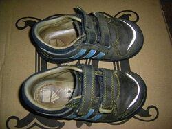 Новые мокасины, ботиночки спортивного типа, кроссовки, сапожки малышам