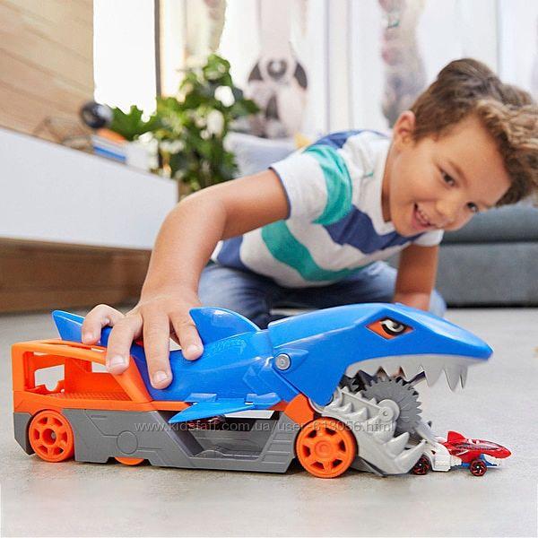 Хот Вилс акула транспортер Hot Wheels Shark Chomp Transporter Mattel GVG36