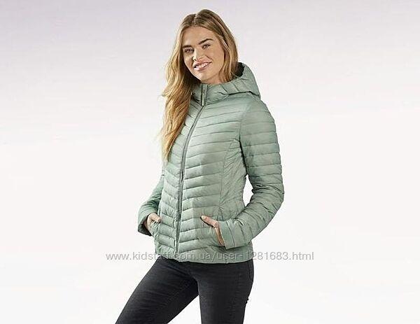 Стеганная демисезонная куртка Esmara Германия, размер 38евронаш 44