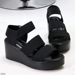 Актуальные комфортные черные женские босоножки на резинке  Код 9391