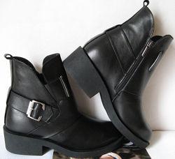 Женские удобные зимние ботинки кожаные Diesel черные