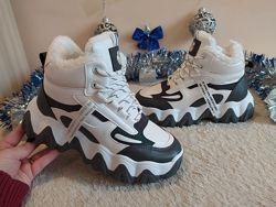 Класні зимові кросівки на мєху  38-41р
