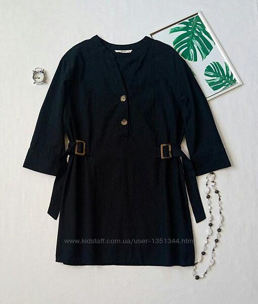 Стильная удлиненная натуральная блуза с актуальными пуговицами и пряжками