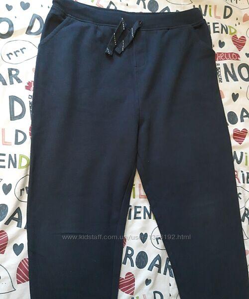 Спортивные штаны фирмы Waikiki 12-13 лет.