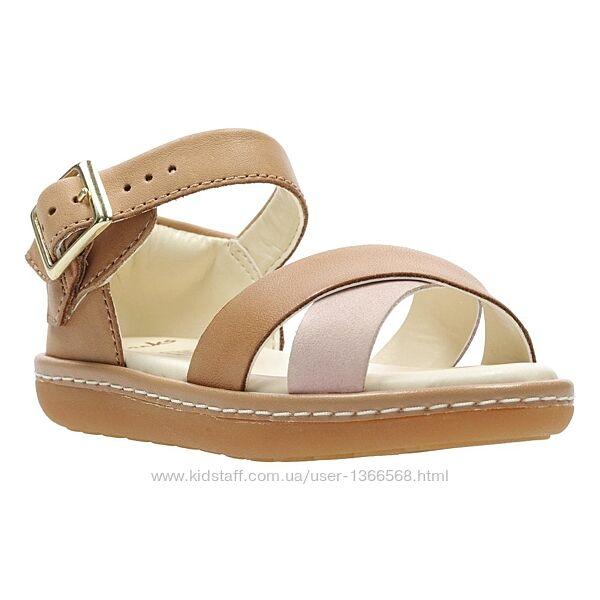 Шкіряні сандалі Clarks Skylark Pure K Tan Combi