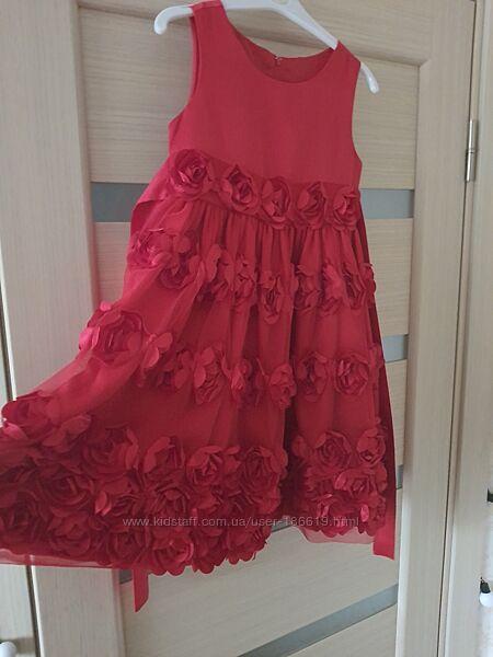 Продам нарядное платье для девочки на рост 110-116