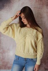 женский вязаный свитер молочного цвета, размер 44 - 46, рукав летучая мышь