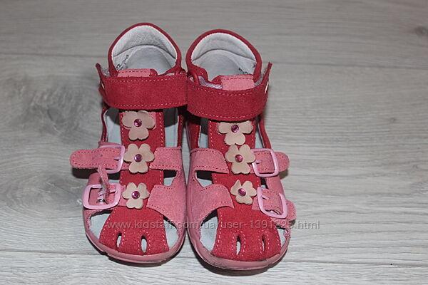 Кожаные босоножки сандалии Richter