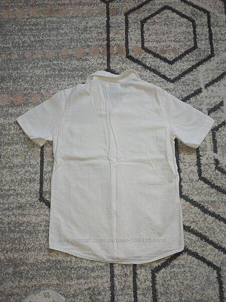 Белая тенниска рубашка Old Navy 6-8лет. Состояние супер.