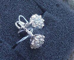Серьги-пусеты с бриллиантами 0.72 карат