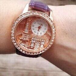 Три разные модели часов Эйфелевая башня.
