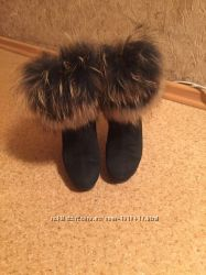 Продам зимние замшевые ботинки