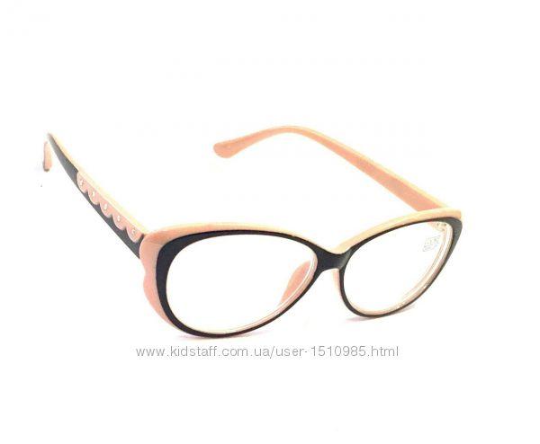 Очки для коррекции зрения, тонированная и белая линза