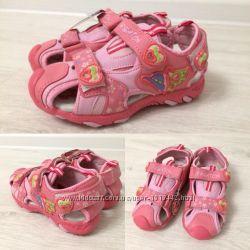 Босоніжки рожеві для дівчинки