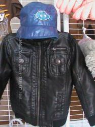 Обмен . Куртка стильная эко-кожа  шапка для модника TIK&TAK , CHEROKEE
