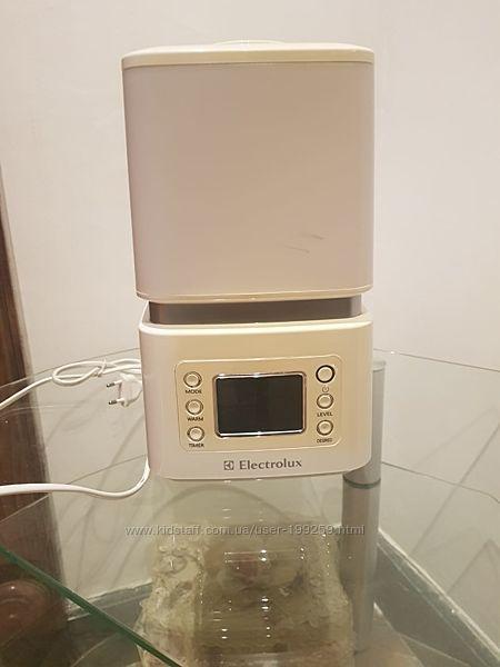 Electrolux Увлажнитель воздуха EHU-3515d