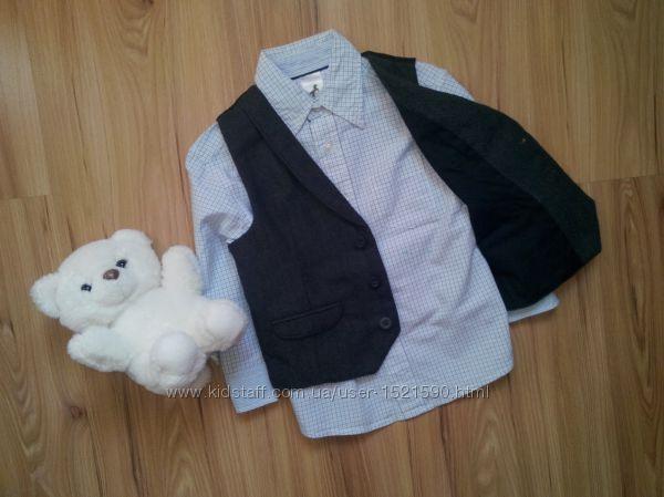 Нарядный комплект из двух вещей рубашка и жилетка на 3-4 года.