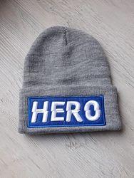 Моднячая шапка Hero в новом состоянии. по бирке на обьем 52 см.