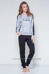 Спортивна нарядна кофта фірми Ellen