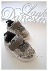 Кроссовки от H&M