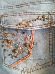стрейчевые джинсы со стразами и камнями