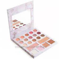 BH cosmetics Палитра теней и хайлайтеров 21-color eyeshadows& highligther p