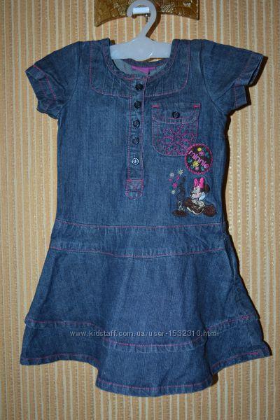 На 3 годика Disney. Джинсовое платье с вышивкой Minnie Mouse. Фирменное.