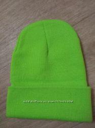 Яркая шапка
