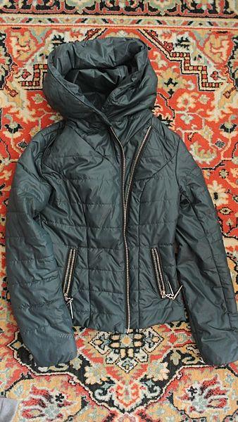 куртка ветровка насыщенного изумрудного цвета, размер хс-с