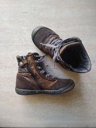 Кожаные деми ботиночки Испания очень удобные стелька 17 см