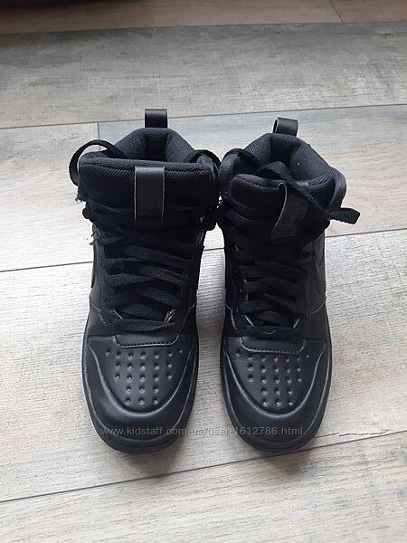 Осенние ботинки Nike кожа, оригинал в идеальном состоянии