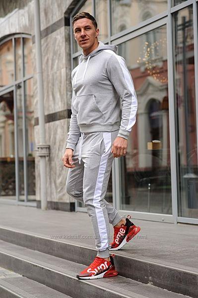 Мужской спортивный костюм стильный