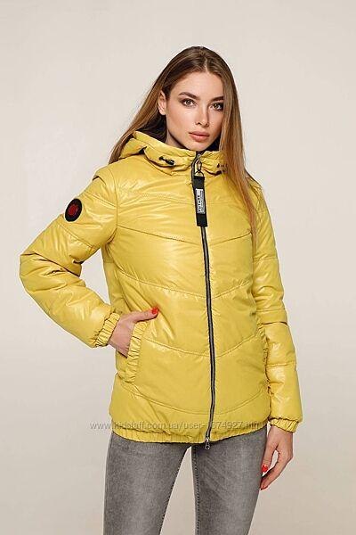 Куртка стеганая демисезонная из плащевой ткани Лак. Размеры с 44 по 54