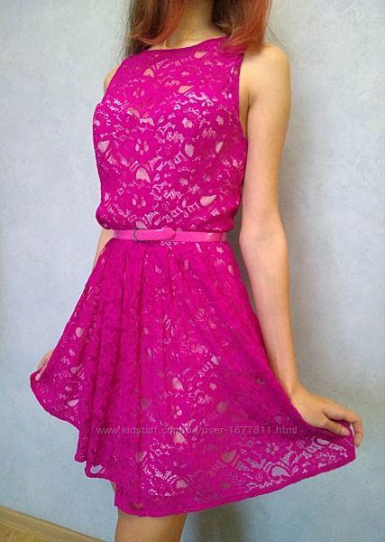 Шикарное нарядное короткое гипюровое розовое платье
