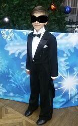 Костюм, фрак для мальчика 6-10 лет суперкрасивый.