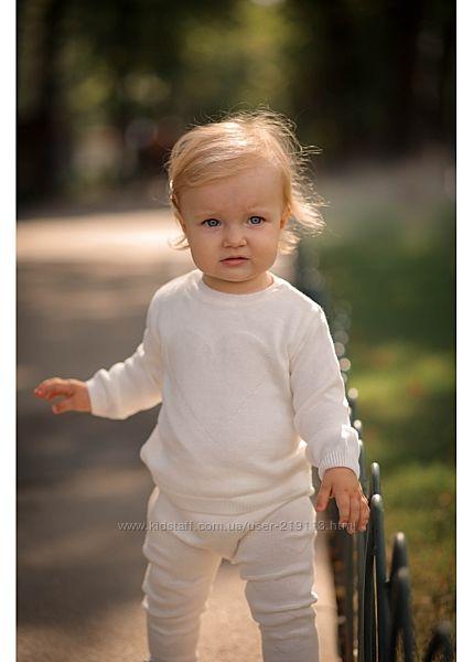 Вязаный нежный костюмчик для деток Сердечки