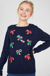 Рождественский свитер с колокольчиками