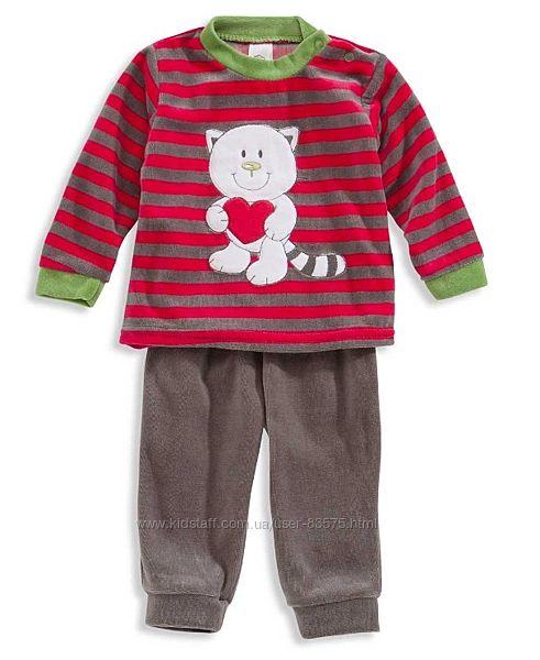 Велюровый костюм на малыша C&A