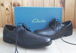 Новые кожные удобные туфли полуботинки Clarks оригинал