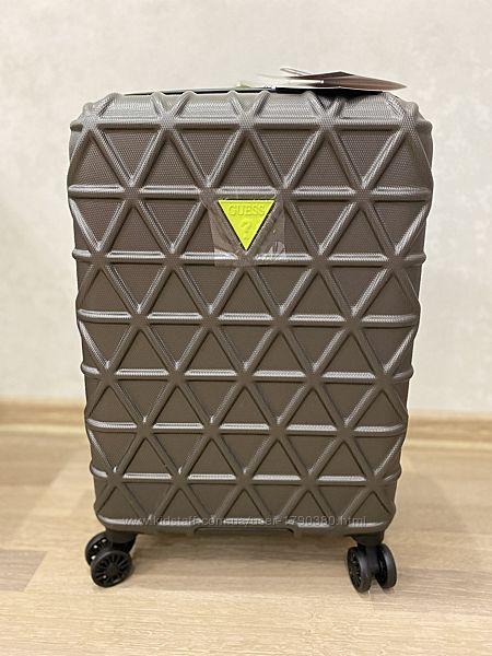 Guess чемодан ручная кладь в самолёт гесс