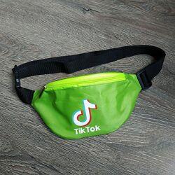 Зеленая бананка TikTok сумка на пояс