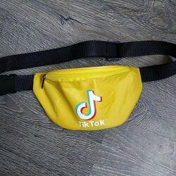 Желтая бананка TikTok сумка на пояс