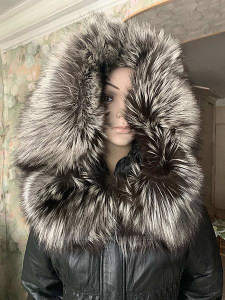 Летняя цена/Куртка кожаная с настоящей чернобуркой 48.