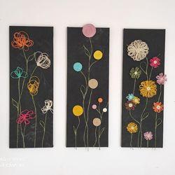 Картина триптих Цветы на черном фоне для подарка