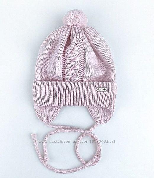 Вязаная зимняя теплая шапочка на флисе на деток от 0 до 6-ти месяцев