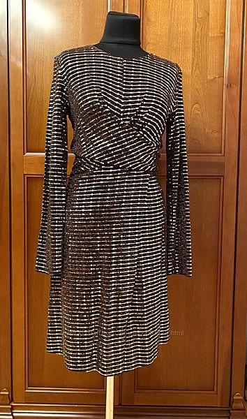 Платье в паетки р. M