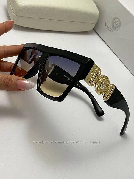 Головокружительные очки Версаче