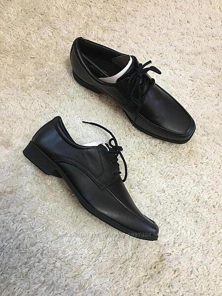 Туфли на мальчика 37 р.