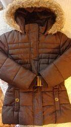 Теплая коричневая куртка осень-зима