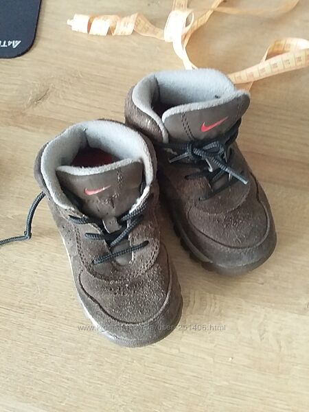 Деми ботинки замш размер 22 стелька  14 см Nike